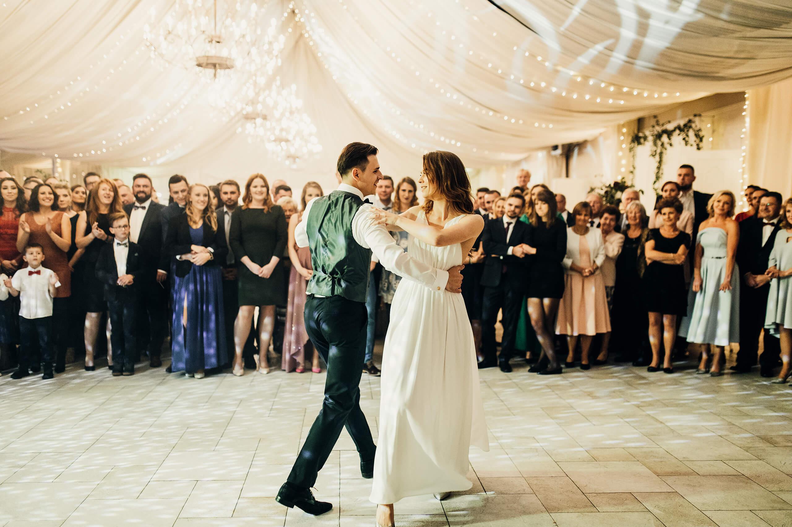 Niesamowity Ślub w Warszawie-Miętowe Wzgórza N&H